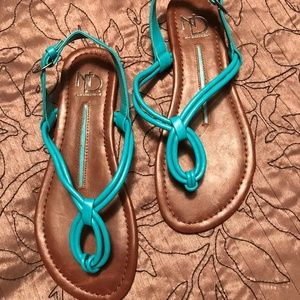 New Directions Sandals - Waverly - Size 6